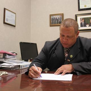 Russell Gilbert Chattanooga Mayor 2021 at work