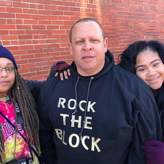 Russell Gilbert Chattanooga Mayor 2021 with his lovely daughters