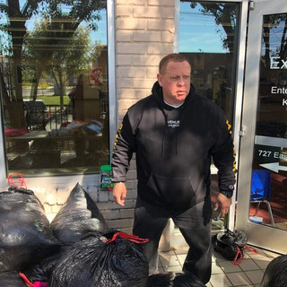 Russell Gilbert Chattanooga Mayor 2021 giving back with his annual Thanksgiving giveaway event