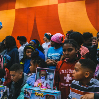Russell Gilbert Chattanooga Mayor 2021 his annual christmas giveaway event