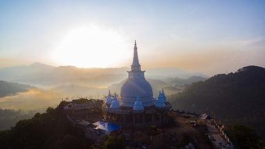 stupa-5327506_1920.jpg