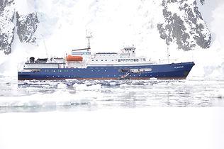 ship-2455240_1920.jpg