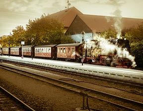 locomotive-1761605_1920.jpg