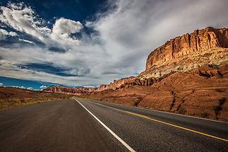 road-1958388_1920.jpg