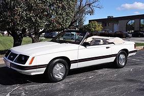 1983 Mustang.jpg