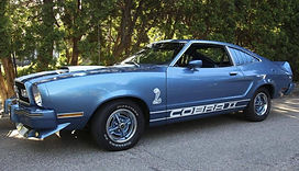 1977 Ford MustangIICobraII_01.jpg