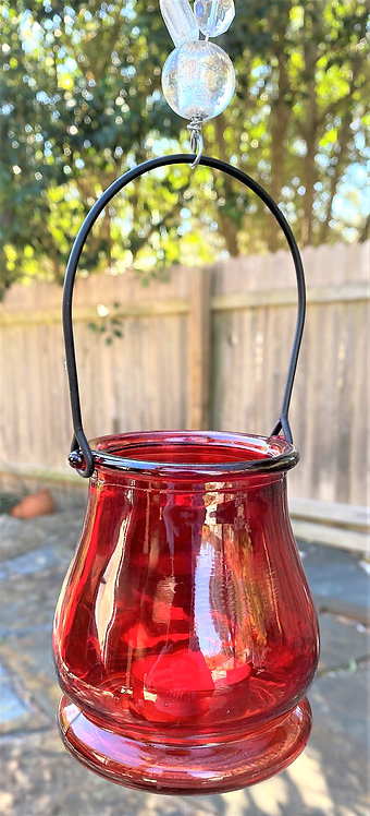 Lantern , red, clearly twisted