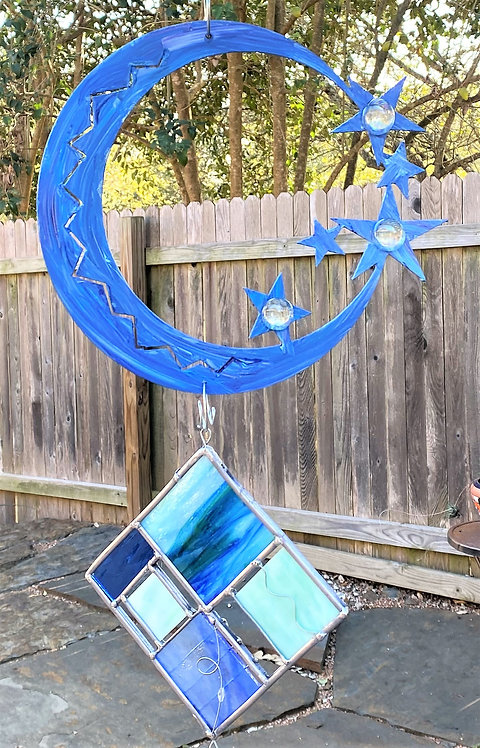 Moon, crescent style