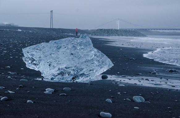 ICELAND - Jokulsarlon Beach 2
