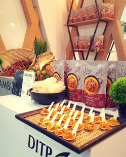 Prung booth Thaifex 2019.png