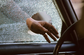 Stay safe with these smash-and-grab prevention tips