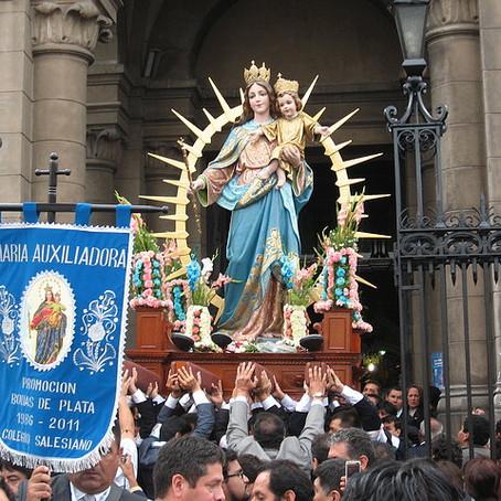 ¿Por qué los católicos veneramos a María?