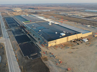 Foxconn Completes Roof Installation and Weathertight Enclosure of the Company's Nearly One-Million-S