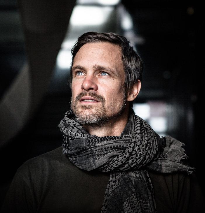 Pierre Nesta / Musicien Chanteur