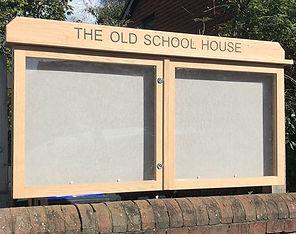 Oak noticeboard two doors displays 12 x A4 posters
