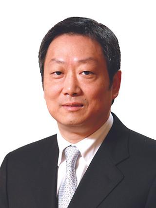 DR KELVIN WONG  (Head Judge)