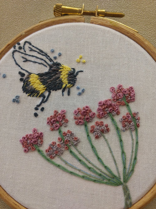 Embroidery template No 5 'Bumble Bee'