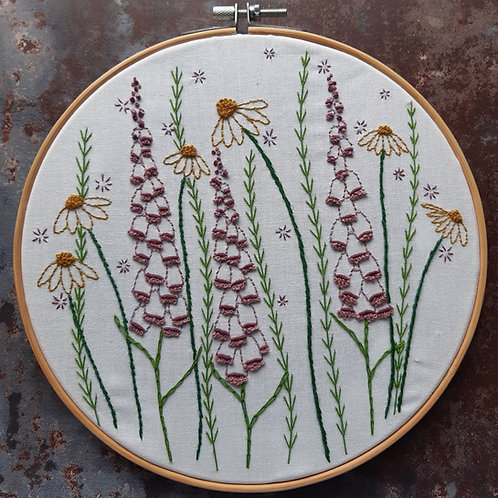 Embroidery template No 7 'Foxgloves and Daisies'