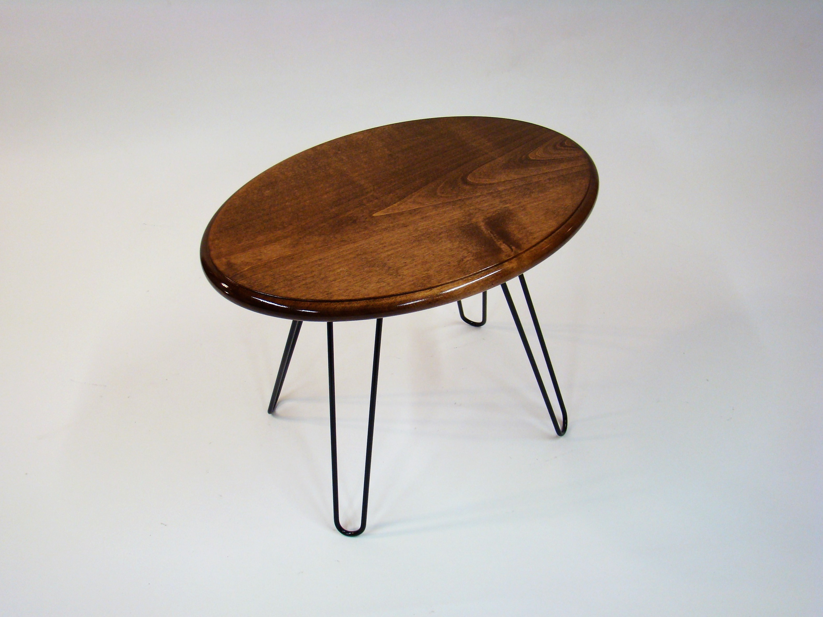 Single Oval Alder Accent Table 1