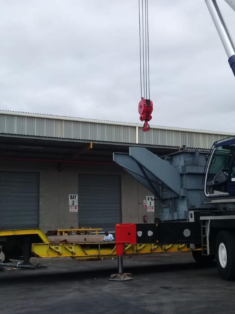 mobile crane Ballito.png