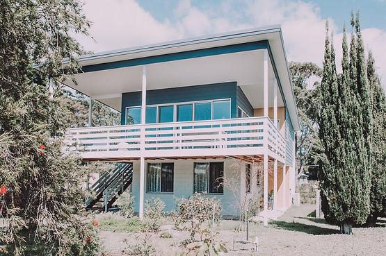 broulee-beach-shack-fibro-deck-renovatio
