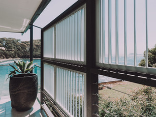 Coastal privacy screening on a deck facing the ocean