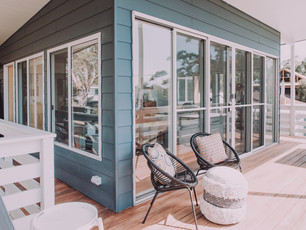 broulee-beach-shack-holiday-home-deck-re