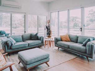 broulee-beach-shack-modern-livingroom.jp
