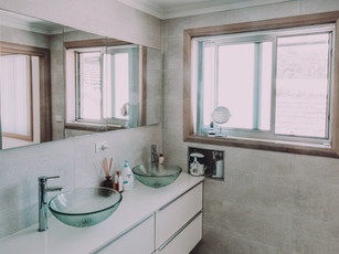 Best image of double vanity in en suite in modern affordable home design