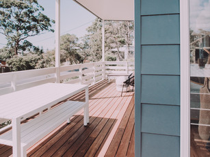 broulee-beach-shack-coastal-fibro-deck.j
