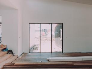 Stacker door for indoor outdoor living