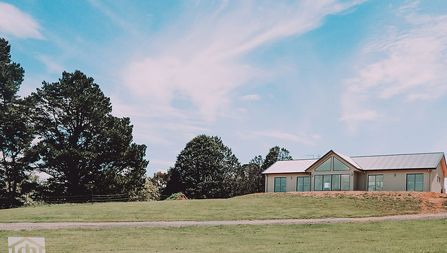 braidwood-modern-homestead-outside.jpg