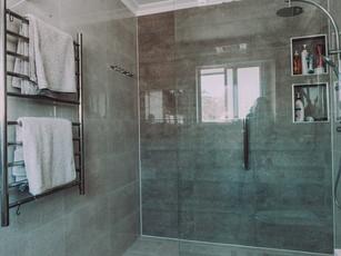 Best image of huge shower in en suite in modern affordable home design
