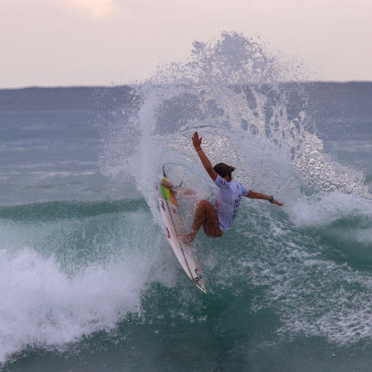 Surfista Sol Aguirre