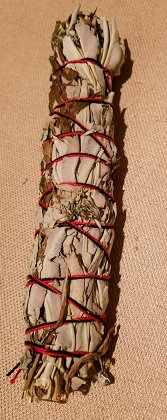 "White Sage & Mugwort Bundle (9"")"
