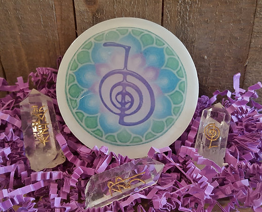 Reiki Soap w/Carved Quartz Crystal Point Inside