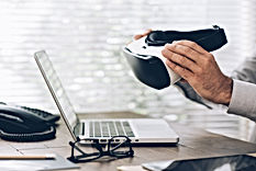 business-and-virtual-reality-P4JZAFF.jpg