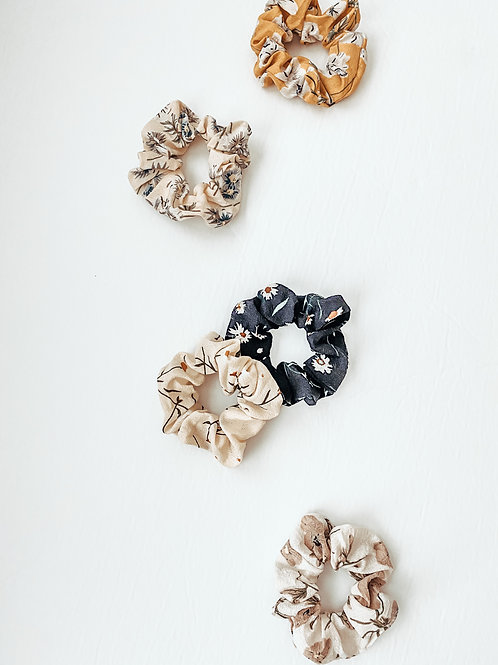 floral scrunchies / pack of 3