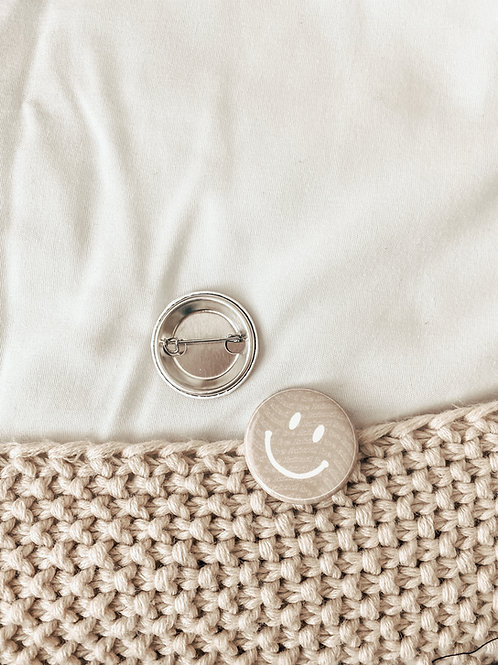 2 PACK / smiley face button