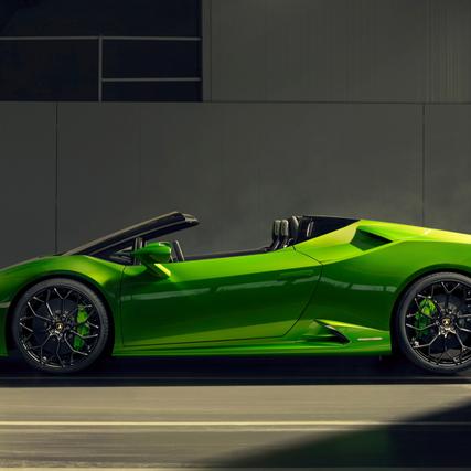 Lamborghini Huracán EVO Spyder - Open-Air Exhilaration