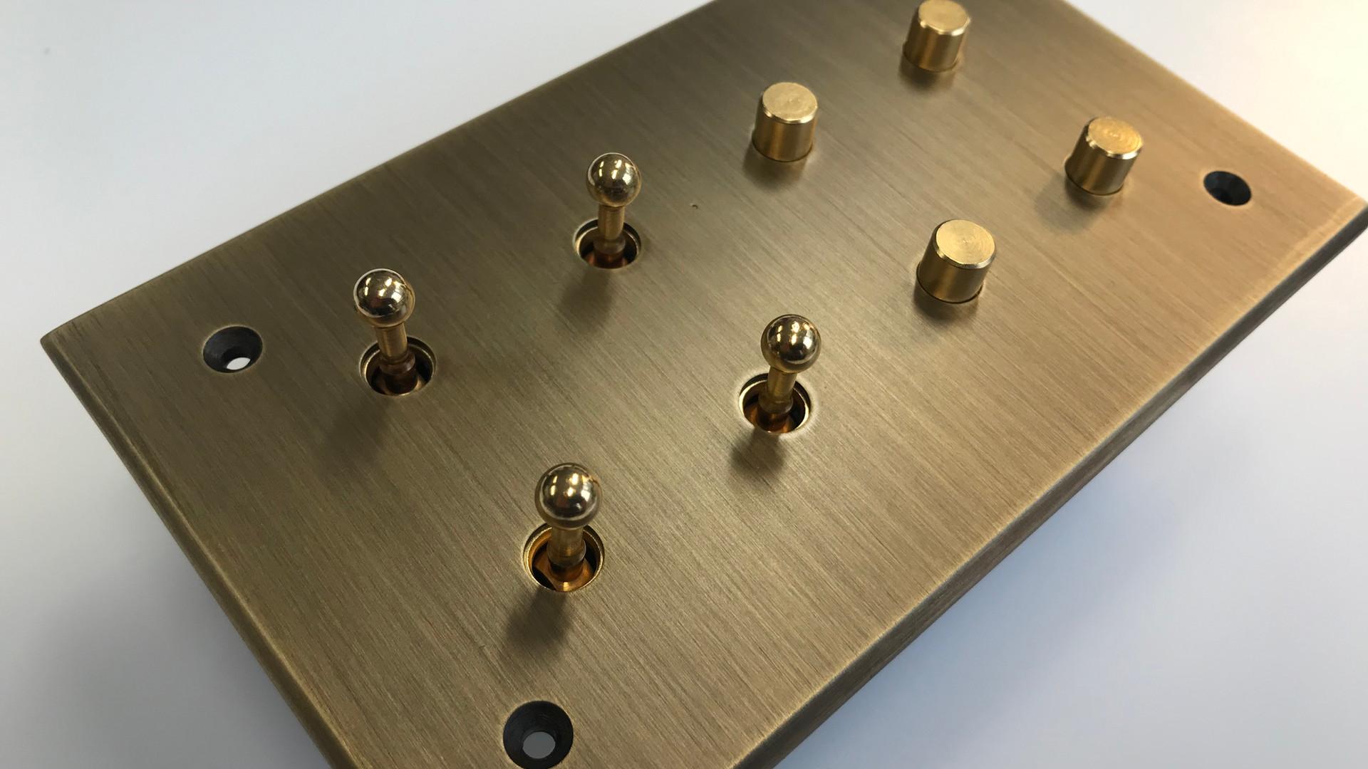 Switch - interrupteur et poussoir
