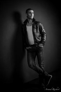 Portrait homme en studio - Arnaud Reichert Photographe
