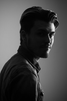 Portrait homme en studio - Arnaud Reichert Photographe - Book mannequin