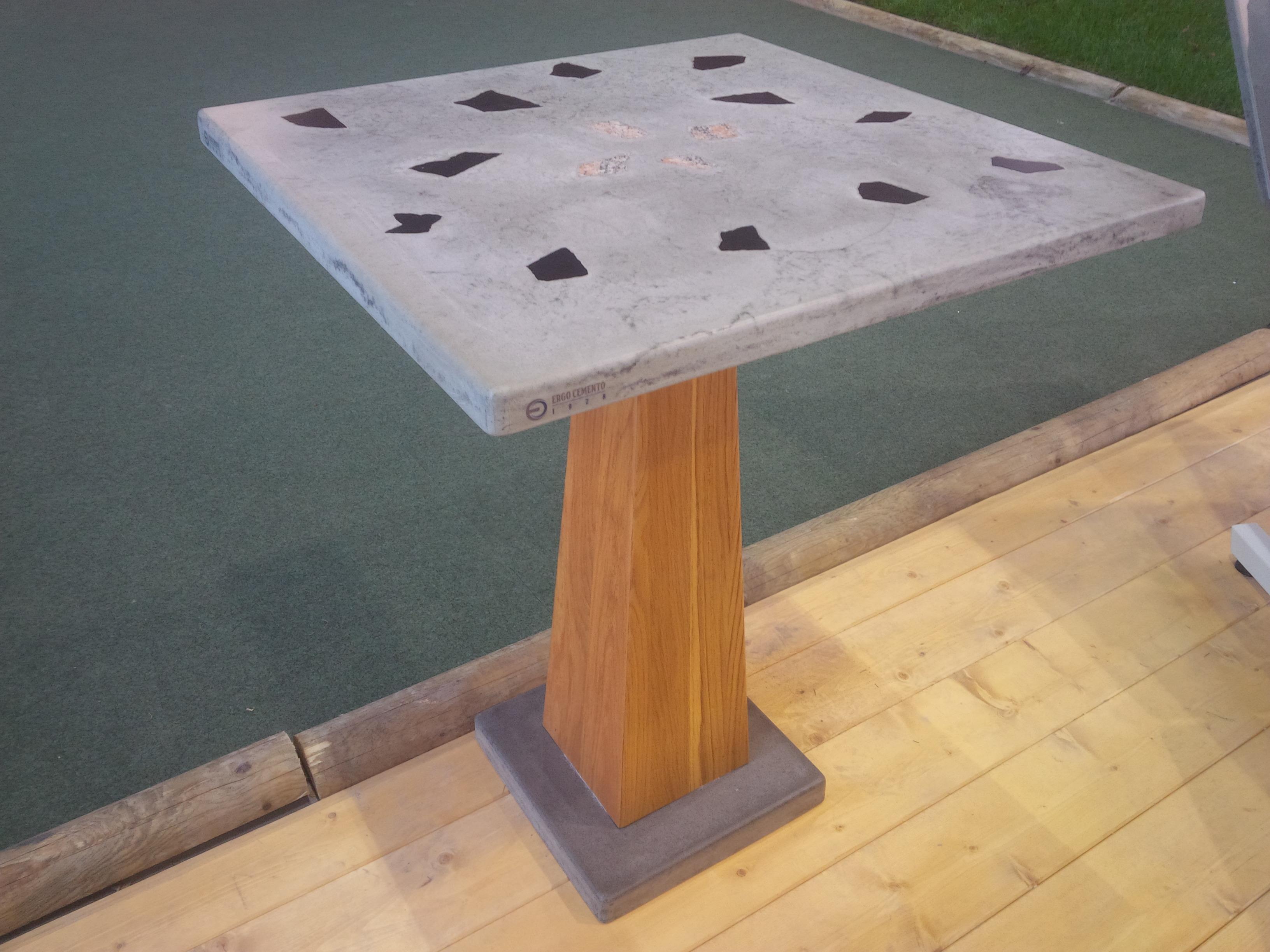 Tavolo cemento-granito-rovere!