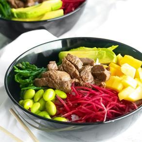 Sushi bowl met biefstuk reepjes