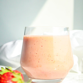 Smoothie met fruit en wortel