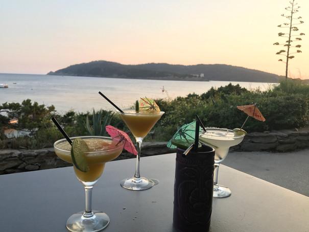 sur la terrasse a cocktail