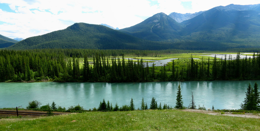 Bow Valley Parkway.jpg