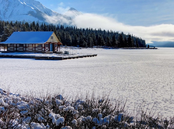 Maligne Lake in Winter