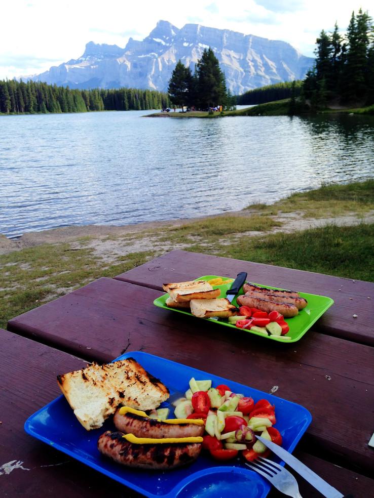 Two Jack Lake Picknick